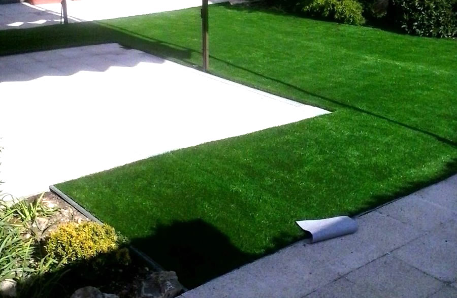 Jardin segovia 3 madrid c sped artificial - Jardin cesped artificial ...